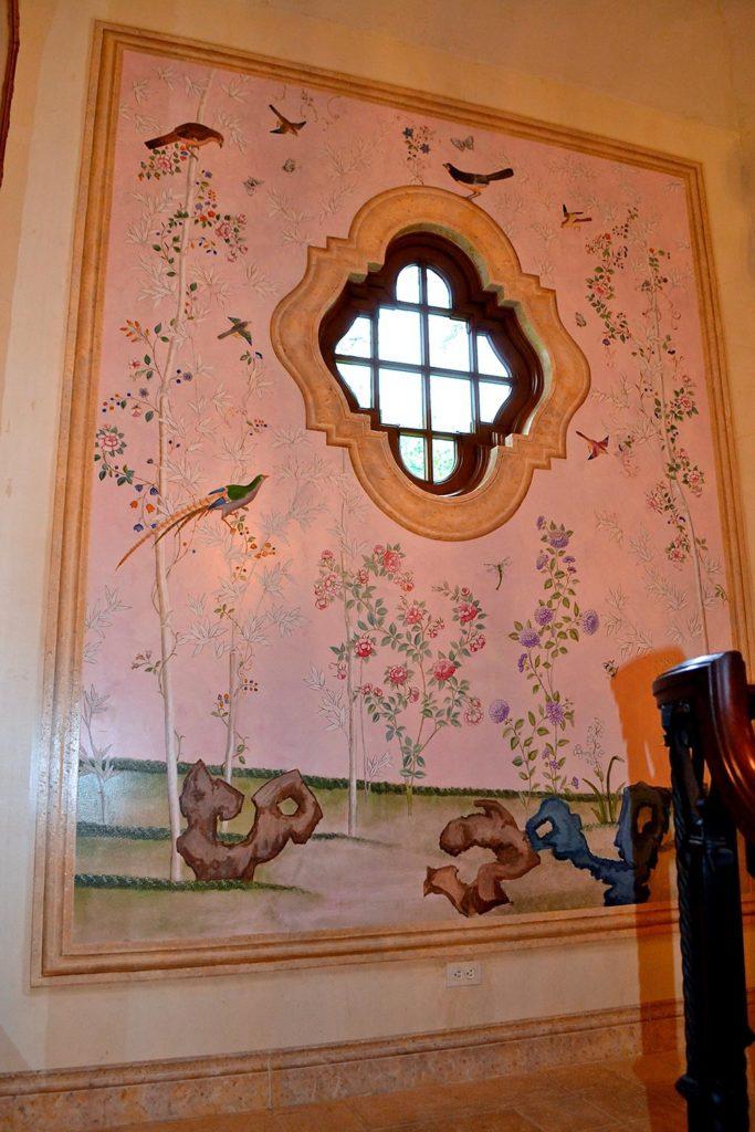 Murals 18